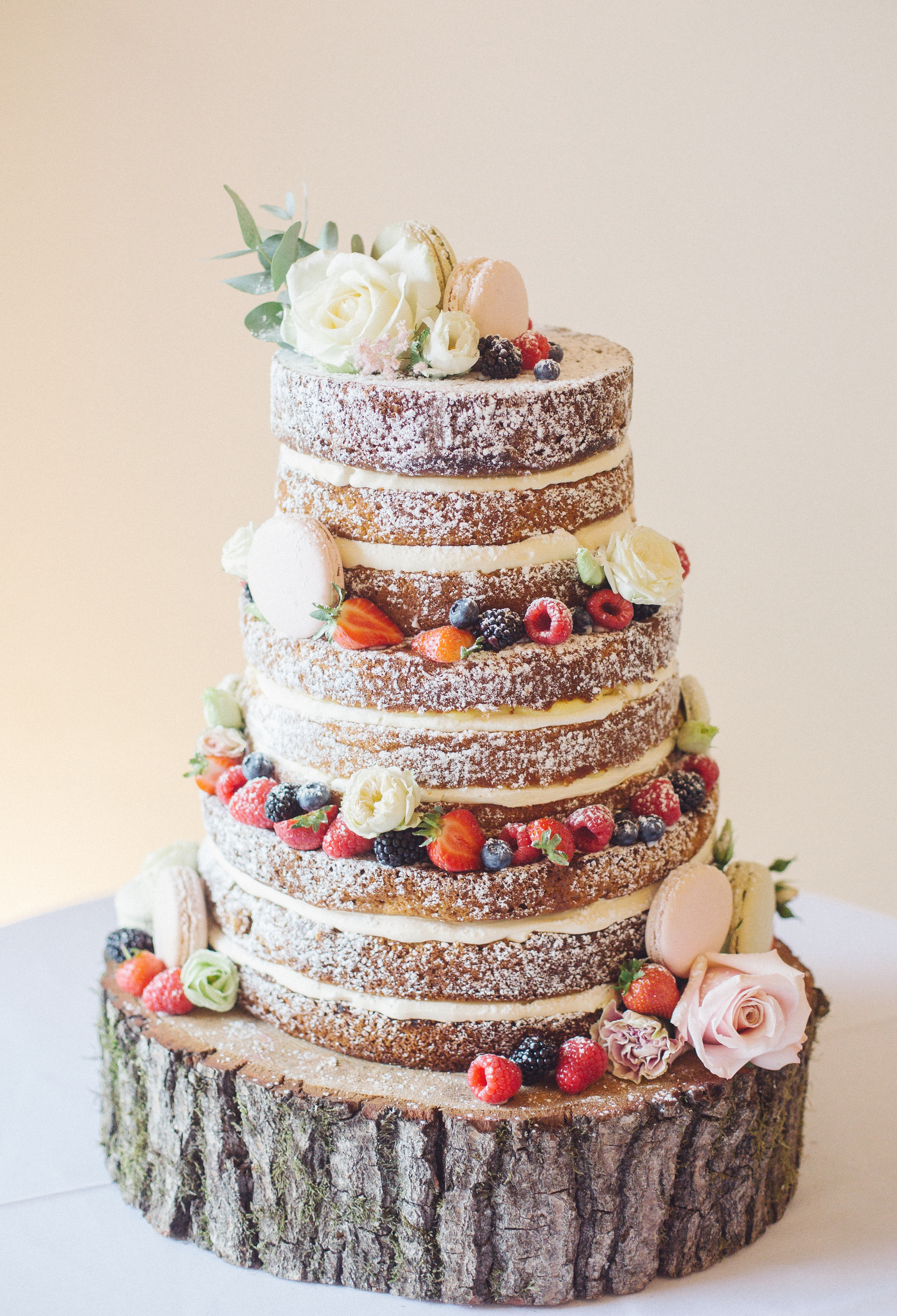 Summer naked cake with macarons